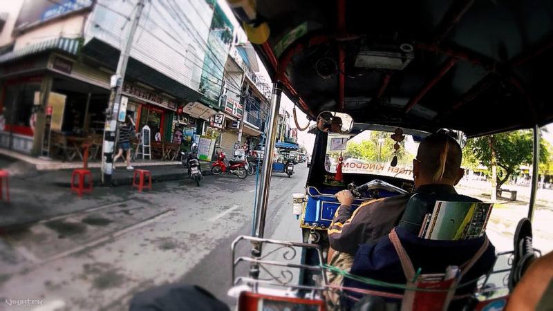 POV Riding a Tuk-Tuk in Chiang Mai, Thailand /// Vinjatek