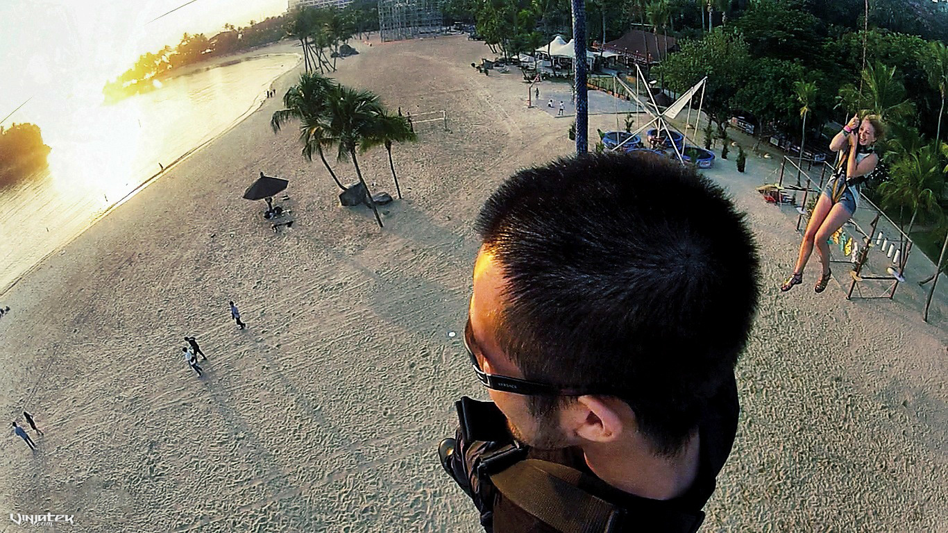 Zip Lining Sentosa Island in Singapore /// Vinjatek