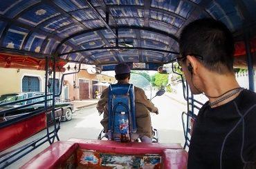 Tuk Tuk ride in Luang Prabang /// Vinjatek