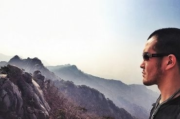 How to Take Good Selfies at Bukhansan Mountain in Seoul /// Vinjatek