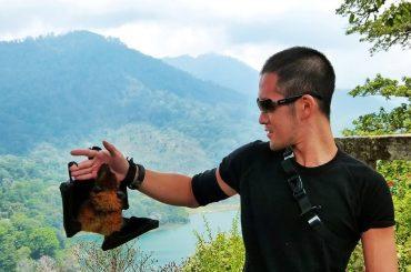 Playing w/ a Bat on a Mountain in Bali, Indonesia /// Vinjatek