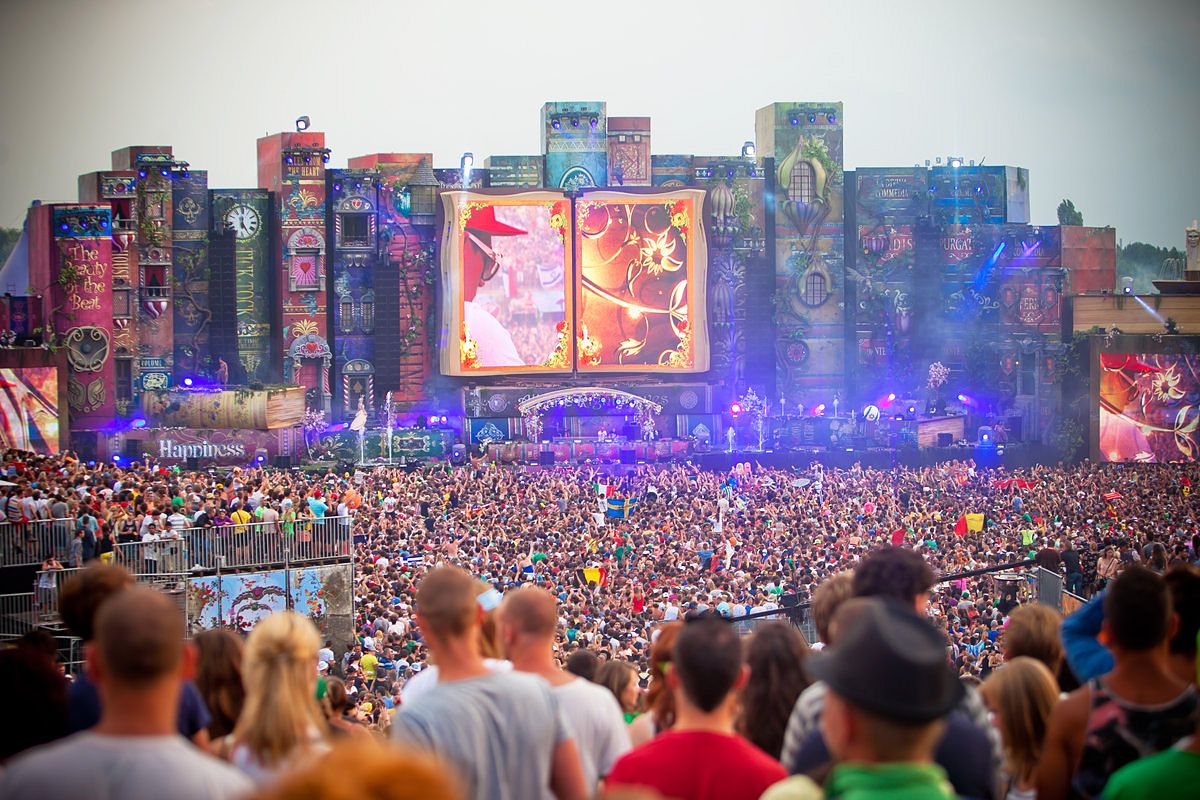 Before I Die… visit Tomorrowland /// Vinjabond
