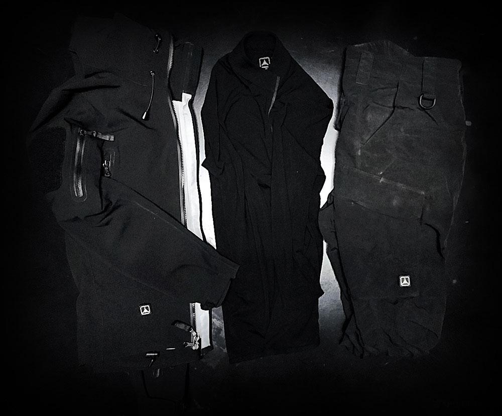 Vagabonding Packing List /// The Uniform