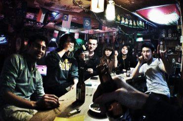 Party at Bong House Hostel in Seoul, Korea /// Vinjatek