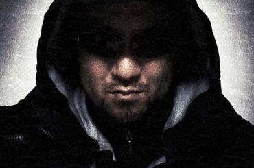 Vinjabond Wearing The Stealth Hoodie LT /// Vinjabond