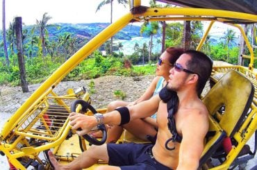 Riding a buggy around Boracay Island, Philippines /// Vinjatek