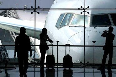 How to Use Airports Like Free Hotels /// Vinjatek