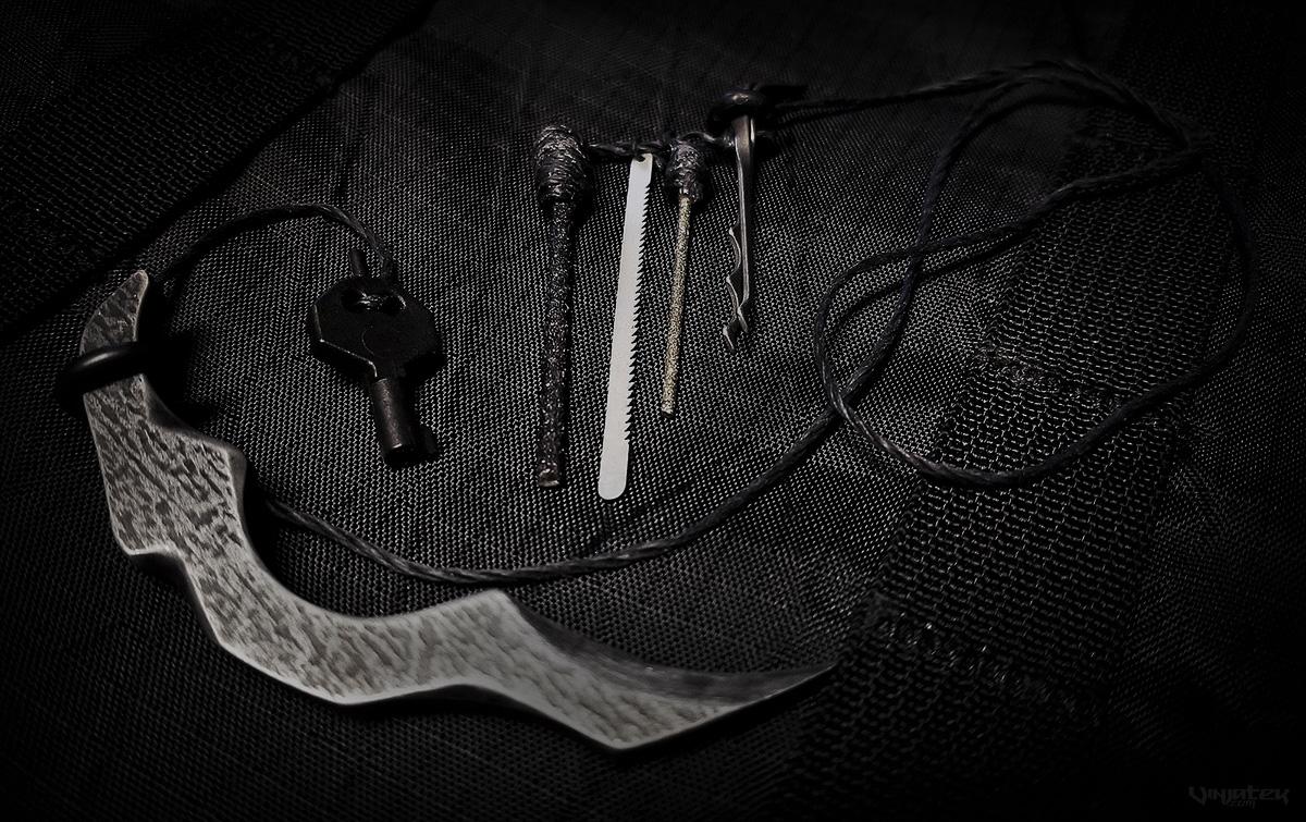 Stealth SERE Kit Item Contents /// Vinjatek