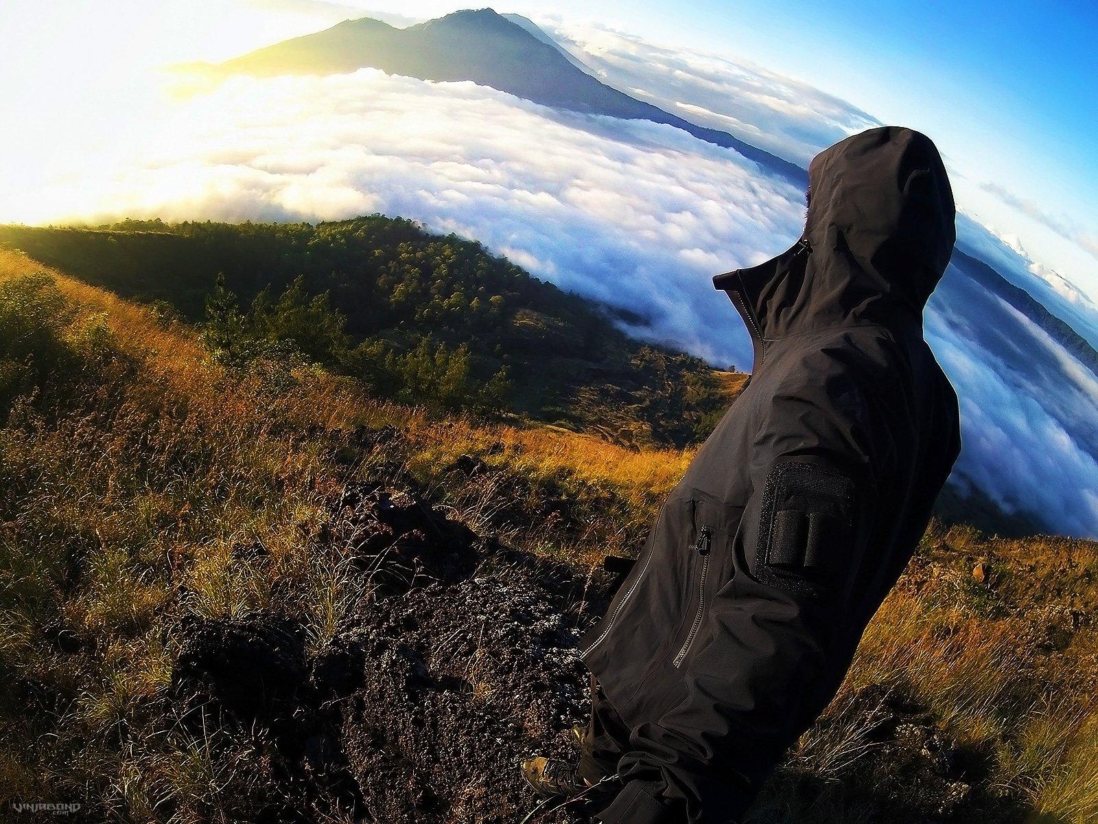 Mount Batur Sunrise Trek in Bali, Indonesia /// Vinjatek