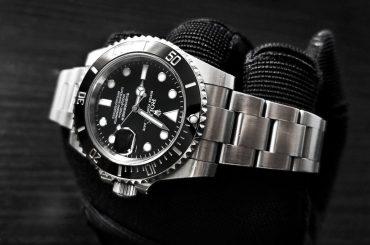 """Using a Watch as a """"Brass Knuckle"""" Rolex Submariner /// Vinjatek"""