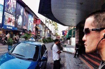 Bali Street, Indonesia /// Vinjatek