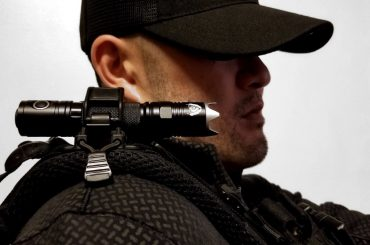 Gear Tactics: Backpack Strap Shoulder Torch Integration /// Vinjatek