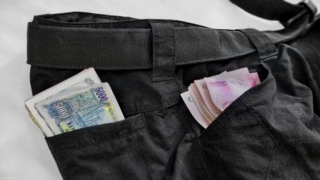 "Urban Survivalist: Multiple ""Carry Cash"" Locations /// Vinjatek"