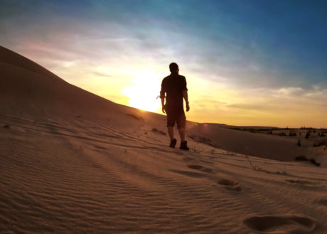 Exploring the Sand Dunes of Mui Ne in Vietnam at Sunrise /// Vinjatek