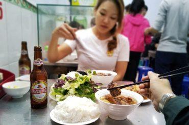 Bún Chả Hương Liên: The Restaurant Obama and Anthony Bourdain Ate at in Hanoi, Vietnam /// Vinjatek