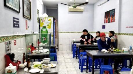 Eating at Bún Chả Hương Liên Obama Restaurant in Hanoi, Vietnam /// Vinjatek