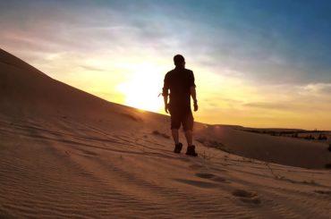 Exploring the Sand Dunes of Mui Ne in Vietnam at Sunrise /// Vinjatek