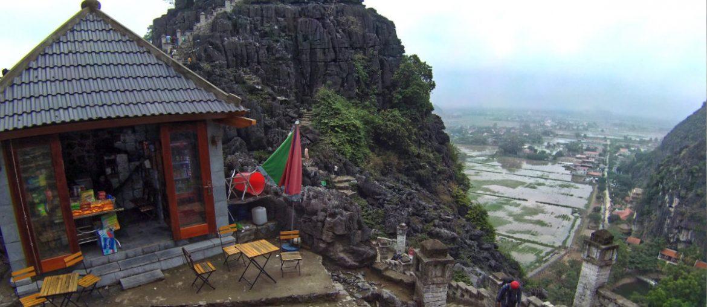 Hang Mua Mountain in Ninh Binh, Vietnam /// Vinjatek