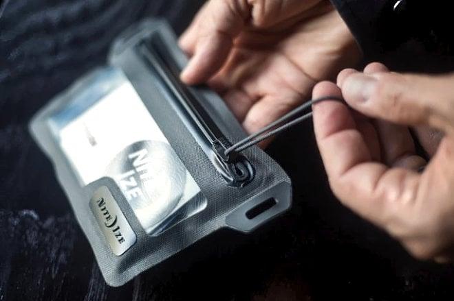 Nite Ize RunOff Pocket /// Urban Survival Gear