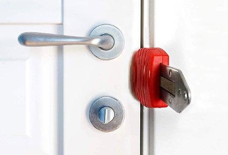 Portable Door Lock /// Urban Survival Security