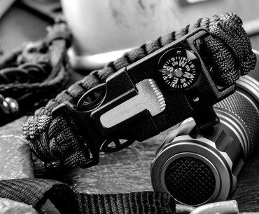 Best Paracord Survival Bracelet